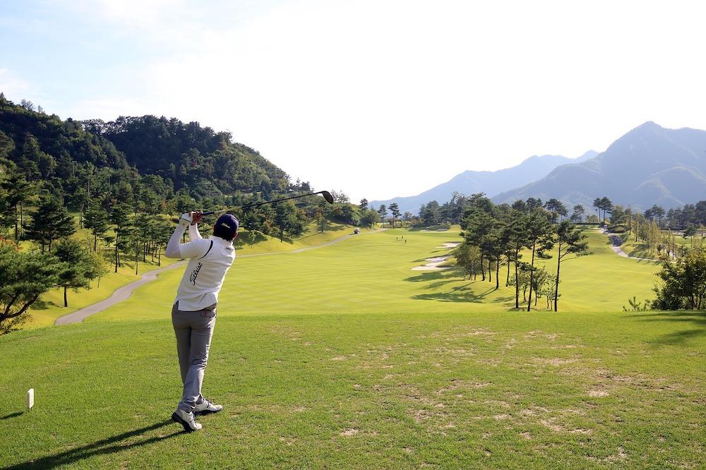 Améliorer et maîtriser la technique du golf grâce au Système de Pédagogie Holistique™